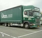 Foto camion a tende scorrevoli