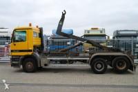 Foto camion con gancho