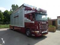 Foto vrachtwagen bakwagen