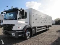 Foto vrachtwagen koelwagen