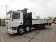 Foto vrachtwagen laadplateau