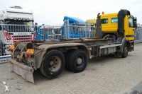 Foto vrachtwagen met arm